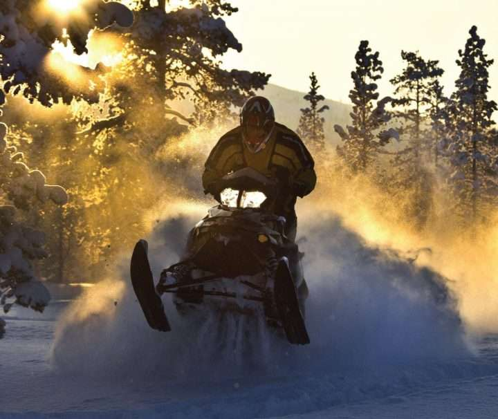 Snowmobile_safari